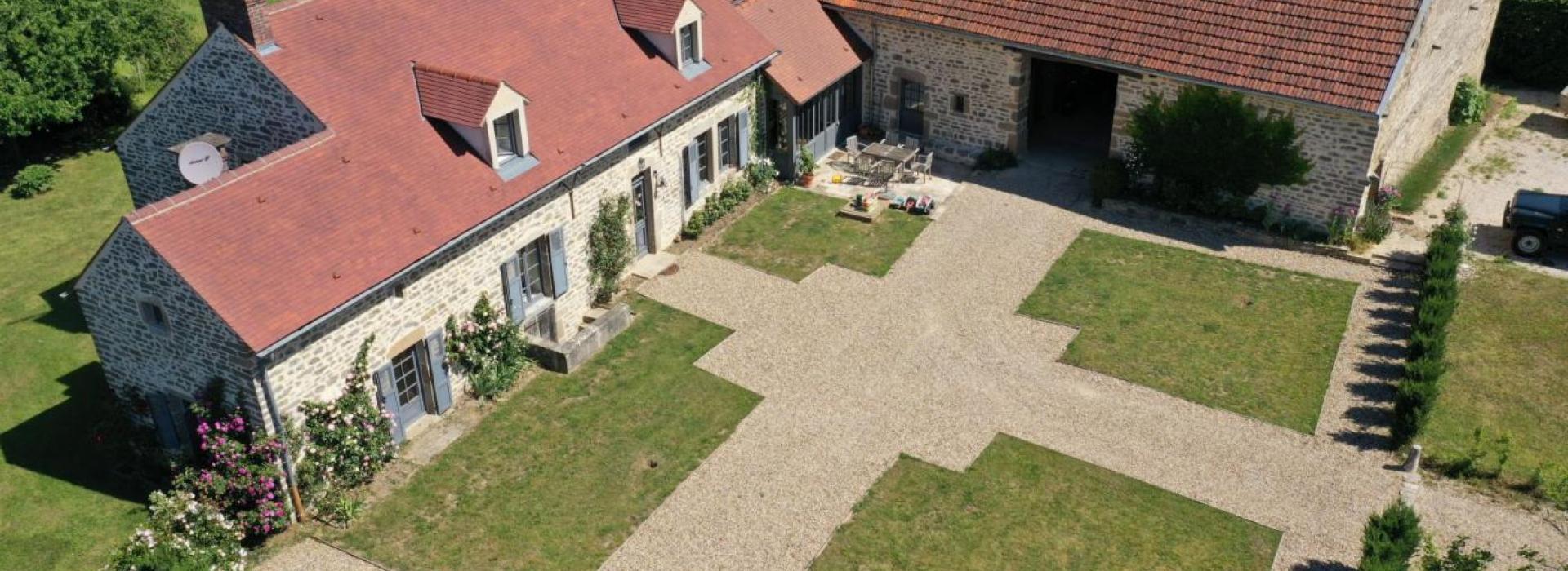 Menuiserie Pouilly En Auxois d'origine xvii ème siècle. proche pouilly en auxois | credo